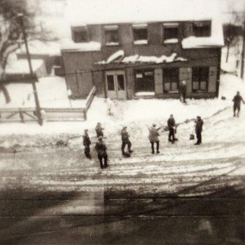 3 Klax Polizei schippt Schnee